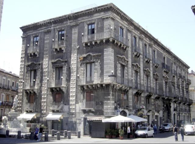 Palazzo Pardo (oggi).png